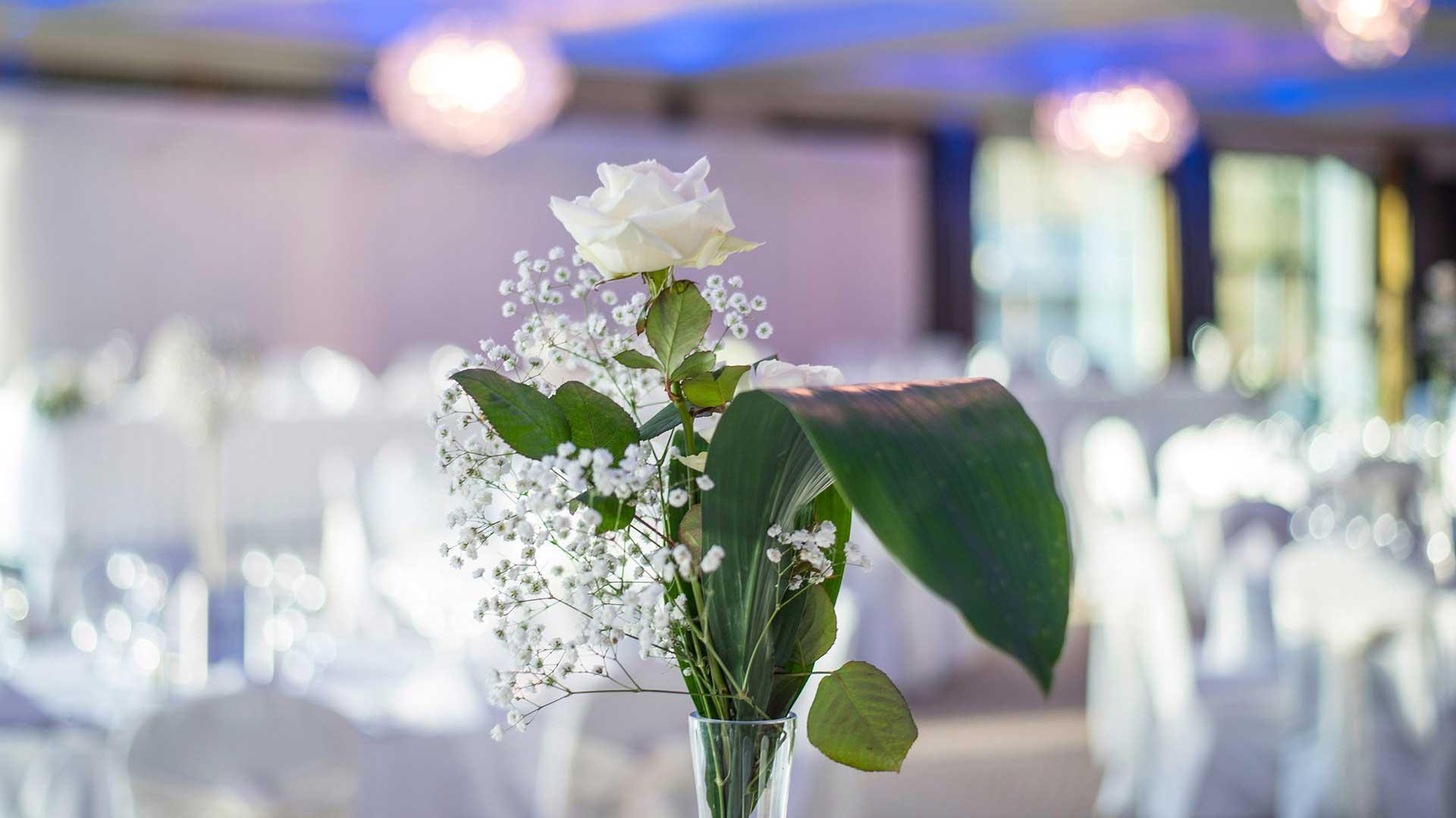 riverside park hotel wedding detail