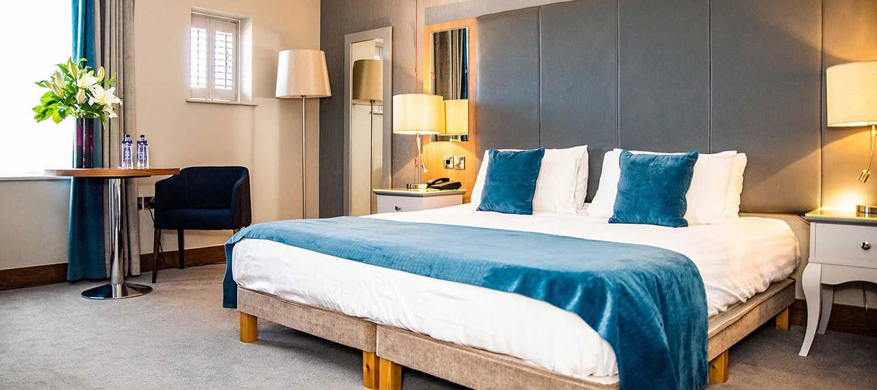 riverside park hotel accessible room
