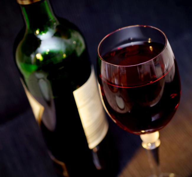 riverside park hotel alamo wine bottle