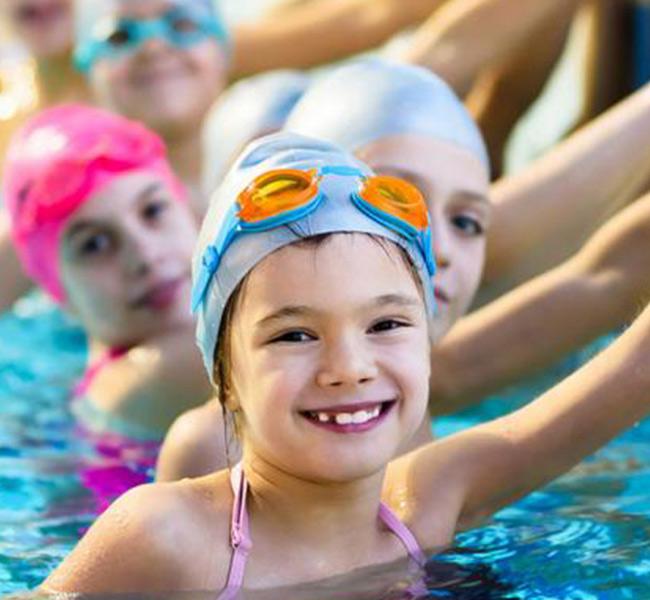 riverside_park_hotel_swimming_activities
